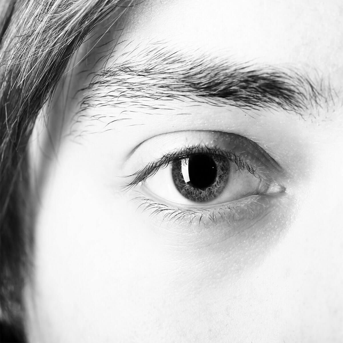 眉毛でお困りの男性必見!メンズアートメイクサロンを選ぶ3つのポイント